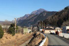 (武州日野付近からの武甲山)